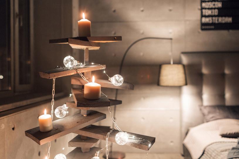 Bożonarodzeniową choinkę można zrobić naprawdę ze wszystkiego /123RF/PICSEL