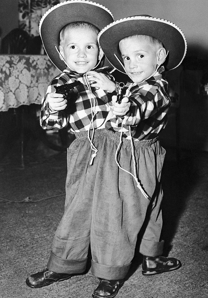 Bracia Galyon byli złączeni na wysokości brzucha, dzielili m.in. układ pokarmowy /Getty Images
