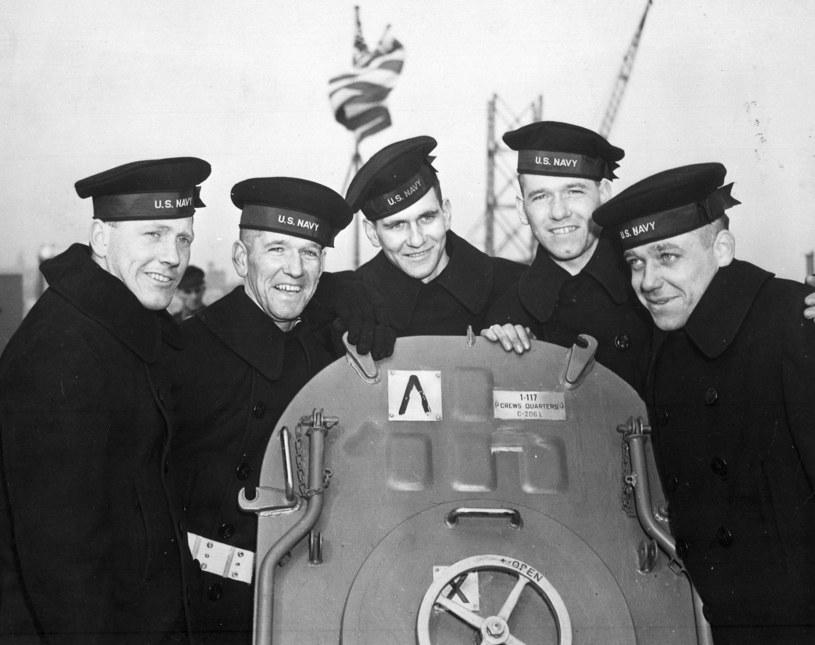 Bracia Sillivan na pokładzie USS USS Juneau /U.S. National Archives;  /East News