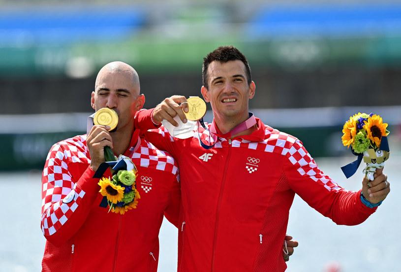 Bracia Sinkovic w trakcie dekoracji medalowej /Guo Chen/Xinhua News/East News /East News