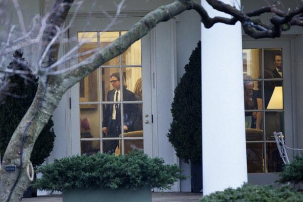 Brad Pitt był tak przytłoczony spotkaniem z głową państwa, że prawie w ogóle się nie odzywał /Brendan Smialowski /Getty Images