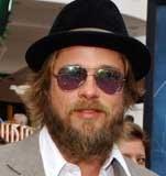 """Brad Pitt dla potrzeb roli w filmie """"Fountain"""" zapuścił nawet brodę /EPA"""