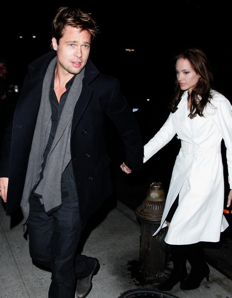 Brad Pitt i Angelina Jolie, 2006 rok /James Devaney /Getty Images