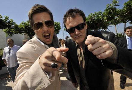 Brad Pitt i Quentin Tarantino przed konferencją prasową w Cannes /AFP