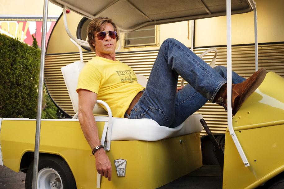 "Brad Pitt w scenie z filmu Quentina Tarantino ""Pewnego razu w Hollywood"" /CANNES FILM FESTIVAL/ANDREW COOPER/HANDOUT /PAP/EPA"
