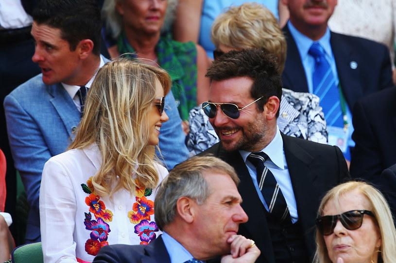 Bradley Cooper i Suki Waterhouse /Clive Brunskill /Getty Images