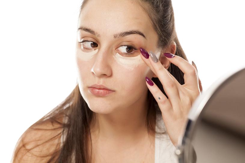 Brak makijażu sprzyja szybszej regeneracji komórek skóry, dzięki czemu jest ona bardziej promienna /123RF/PICSEL