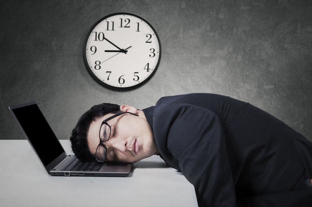 Brak właściwie prowadzonej ewidencji czasu pracy nie uchroni przed zapłatą za godziny nadliczbowe /123RF/PICSEL
