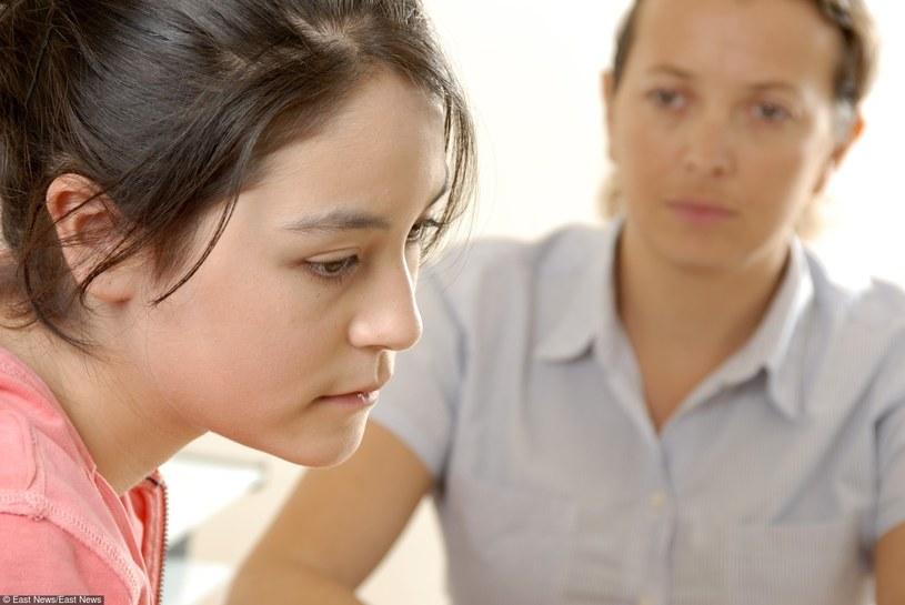 Brakuje środków i personelu, by pomóc młodym pacjentom /East News