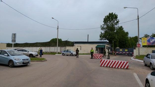 Brama lotniska w Smoleńsku /Przemysław Marzec /RMF FM