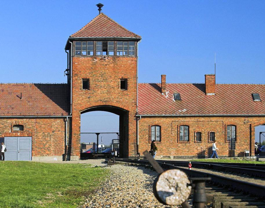 Brama Śmierci w Auschwitz /PAP/Jerzy Ochoński /PAP