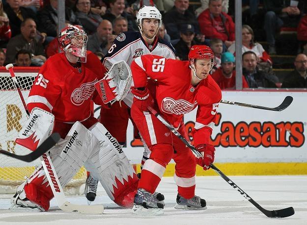 Bramkarz Detroit Red Wings Jimmy Howard obronił 45 strzałów /AFP