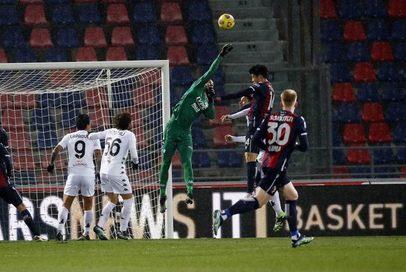 Bramkarz ekipy Benevento - Lorenzo Montipo w akcji /ELISABETTA BARACCHI /PAP/EPA