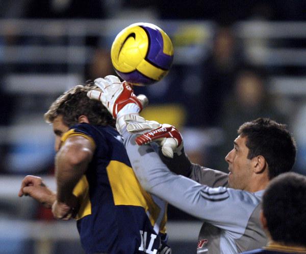 Bramkarz Jorge Bava /AFP