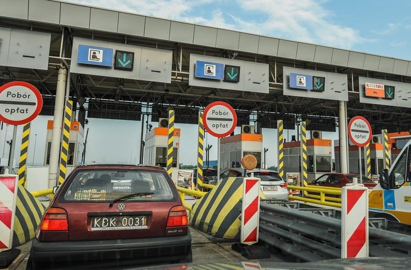 Bramki na autostradzie A4 bardzo często powodują spore korki /Gerard /Reporter