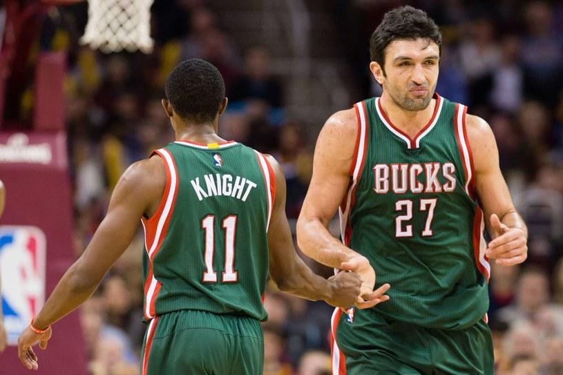 Brandon Knight i Zaza Pachulia z Milwaukee Bucks /AFP