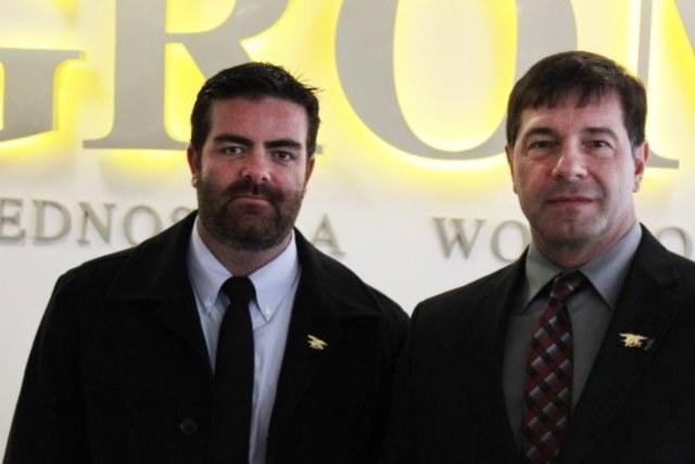 Brandon Webb (po lewej) i Drago - Polak, który służył w Navy Seals. Razem przylecieli do Polski, aby między innymi nakręcić film o GROM-ie /Polska Zbrojna