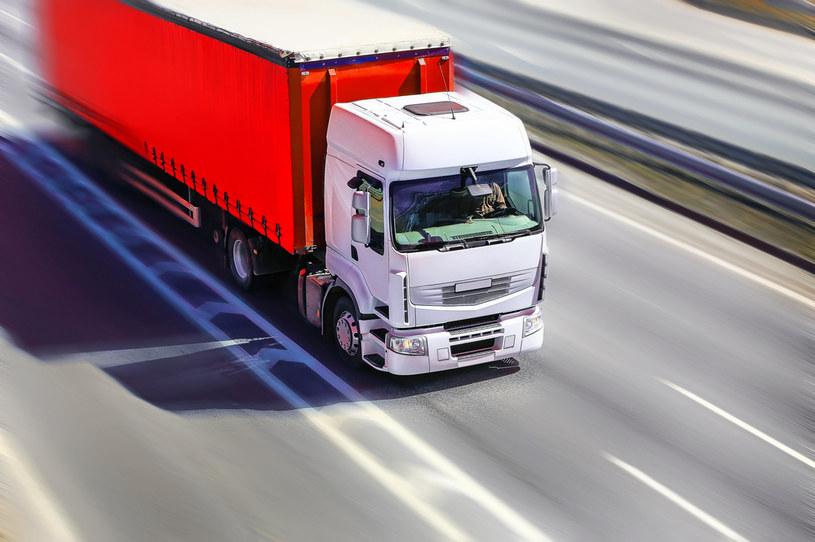 Branża transportu międzynarodowego szykuje się na wzrost kosztów pracy /123RF/PICSEL