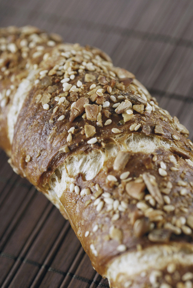 brązowy chleb /© Photogenica