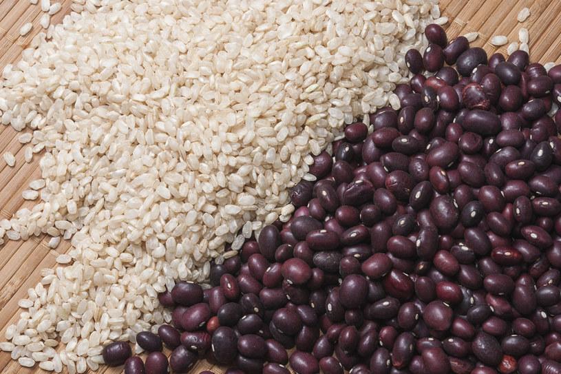 Brązowy ryż i czerwona fasola /123RF/PICSEL