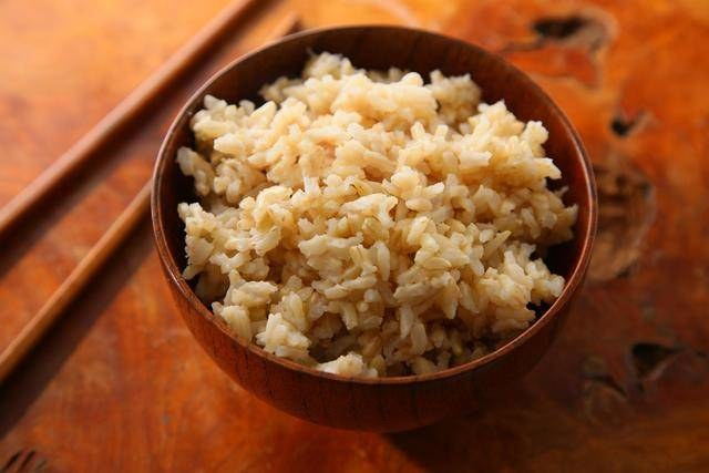 brązowy ryż /© Photogenica