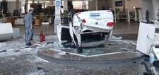 Brazylia: Samochód spadł na recepcjonistkę. Z drugiego piętra