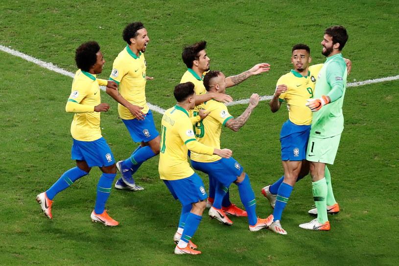 Brazylijczycy mogli świętować dopiero po serii rzutów karnych /PAP/EPA/SEBASTIAO MOREIRA /PAP/EPA