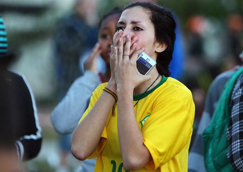 Brazylijczycy nie mogli uwierzyć w to, co widzieli na stadionie w Belo Horizonte /AFP