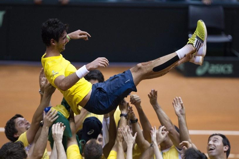 Brazylijczycy świętują po pokonaniu Hiszpanii /PAP/EPA