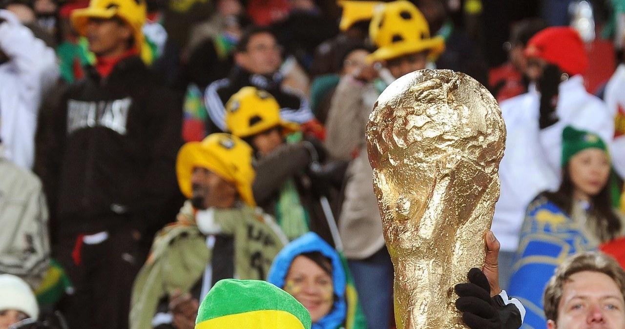 Brazylijscy kibice dopingują swoich piłkarzy