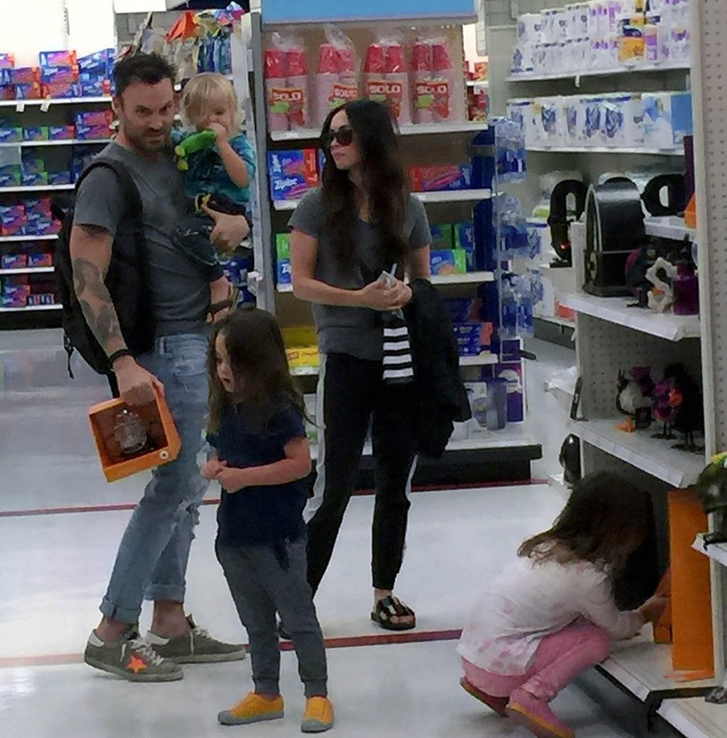Brian Austin Green i Megan Fox z synami /East News