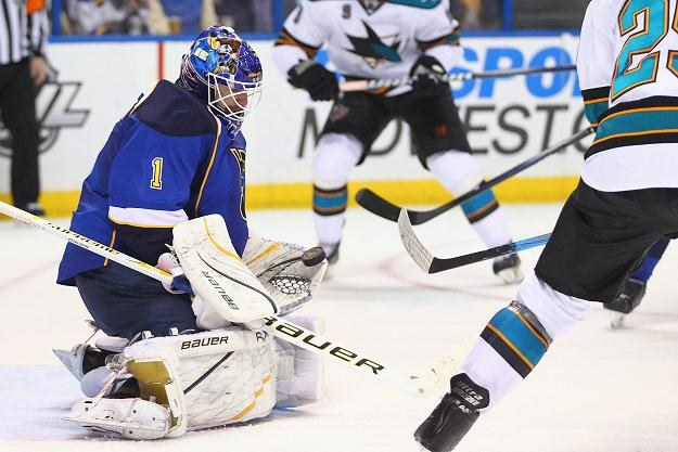 Brian Elliott, bramkarz St. Louis Blues, tylko raz dał się pokonać Sharks /AFP