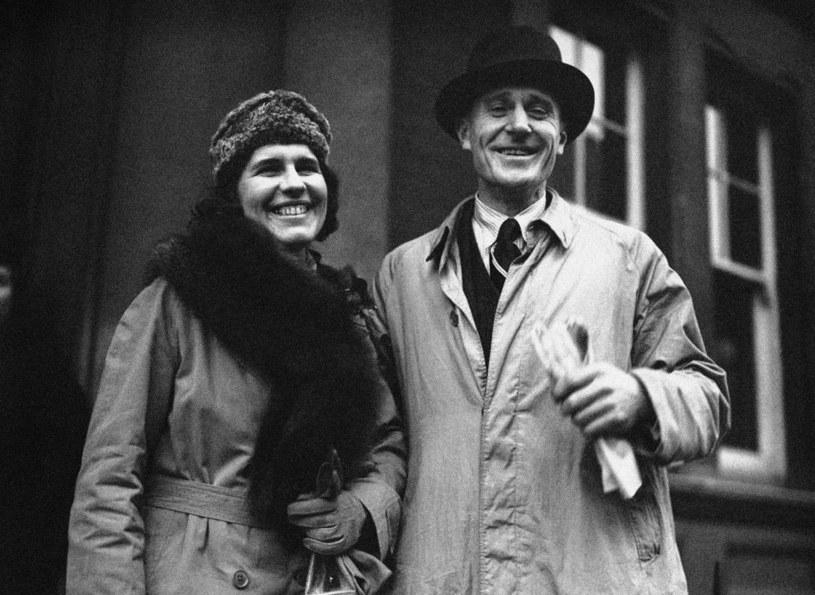 """Brian Grover wraz z żoną. Jego """"podróż"""" do ZSRR po wybrankę serca omal nie skończyła się śmiercią! /East News"""