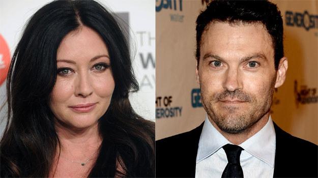 """- Brian i ja od początku mięliśmy dobry kontakt. I ten utrzymuje się do dziś. Co prawda nie widujemy się tak często jak kiedyś, ale więź pozostała - przyznała Shannen, gdy rozmawialiśmy z nią wiosną 2014 r. Dziś wsparcie Jennie Garth, Iana Zieringa i Briana, przyjaciół z planu """"Beverly Hills 90210"""", na pewno się jej przyda. /Brad Barket, Kevin Winter /Getty Images"""