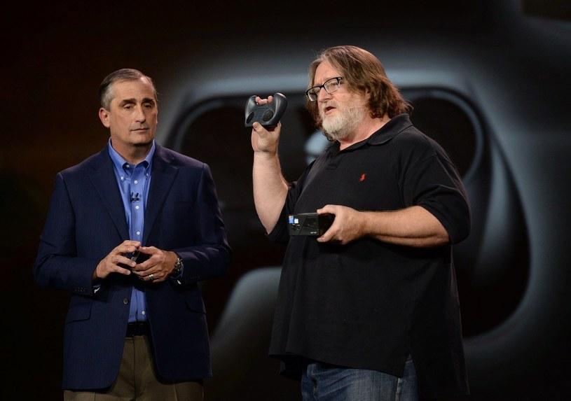 Brian Krzanich i Gabe Newell (z prawej) /AFP