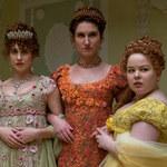 """Bridgertonowie"": Serialowe kostiumy inspirowane strojami Kardashianek"
