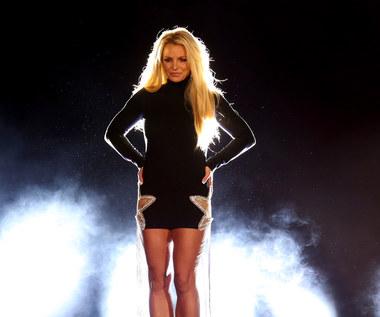 tekst piosenki hook up britney spears świetne wkładki do randek online