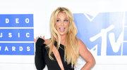 Britney Spears chwali się swoim ciałem i kreacjami
