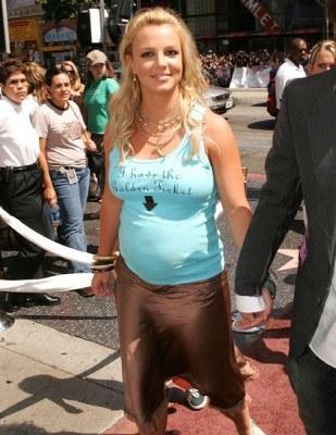 """Britney Spears na pokazie """"Charlie i fabryka czekolady"""" /AFP"""