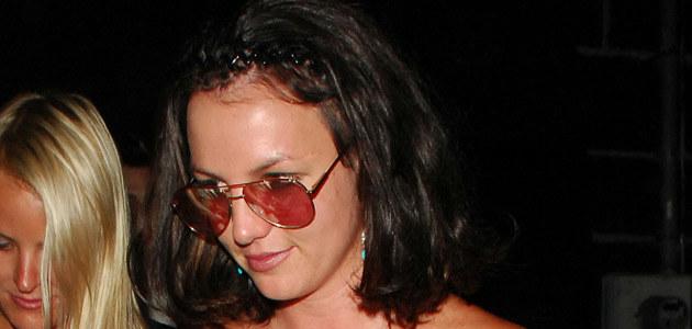 Britney wychodzi z Winston's Bar w West Hollywood 2 sierpnia, fot. Jonathan Friolo  /Splashnews