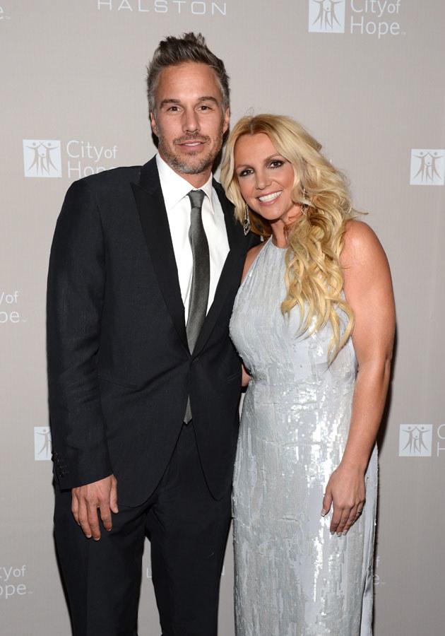 Britney z narzeczonym Jasonem Trawickiem /Michael Kovac /Getty Images