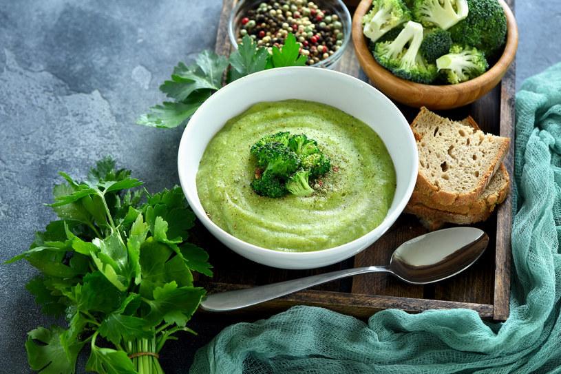 Broccamole jest bardzo zdrowe,, bo brokuły to prawdziwa skarbnica witamin C i A /123RF/PICSEL