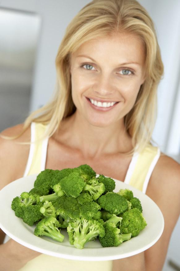 brokuły jedzenie /© Photogenica