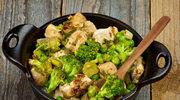 Brokuły z udkami kurczaka