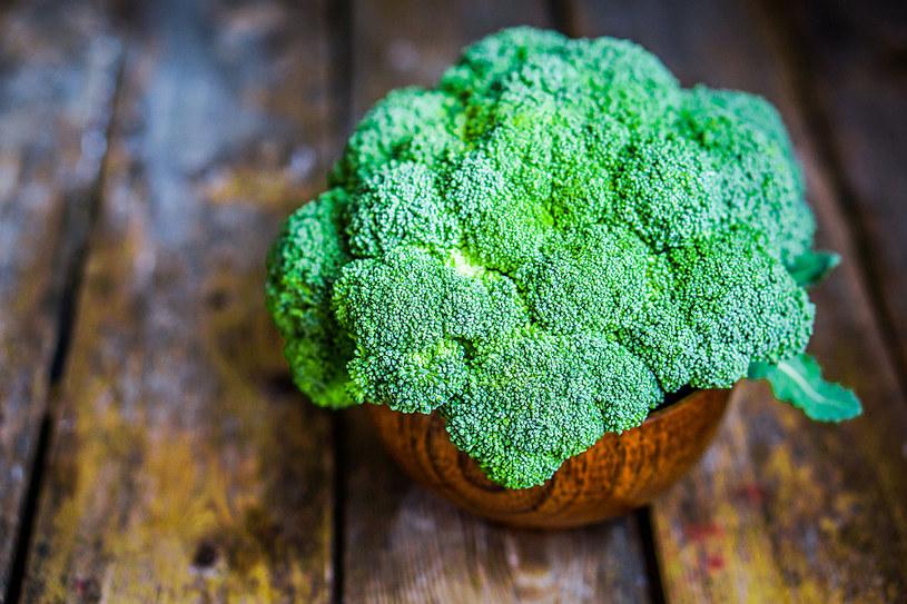 Brokuły za sprawą enzymów pomagają pozbyć się z organizmu różnych szkodliwych toksyn /123RF/PICSEL