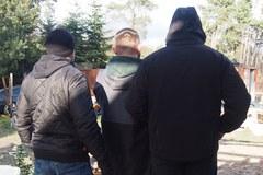 Broń, naboje i materiały wybuchowe na posesji w Otwocku