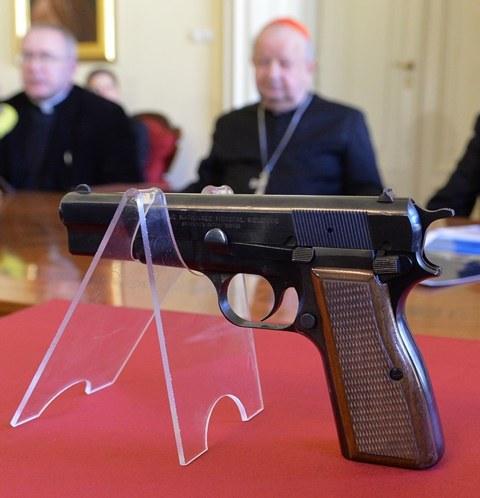 Broń, z której strzelano do polskiego papieża /Jacek Bednarczyk /PAP