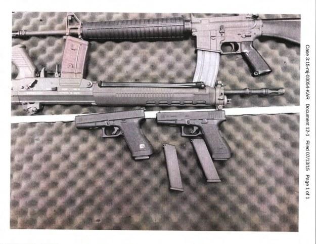 Broń znaleziona w mieszkaniu 23-latka /US ATTORNEY'S OFFICE / HANDOUT /PAP/EPA