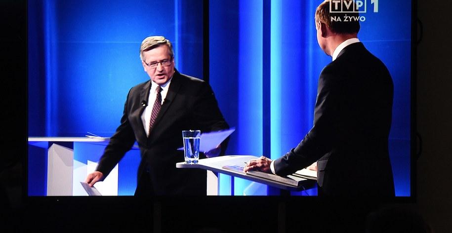 Bronisław Komorowski i Andrzej Duda w studiu TVP podczas debaty /Radek Pietruszka /PAP