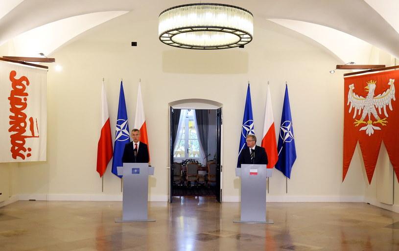 Bronisław Komorowski i sekretarz generalny NATO Jens Stoltenberg /Paweł Supernak /PAP